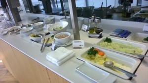 Lufthansa lounge HAJ food