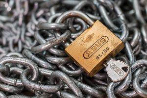 padlockandchain2